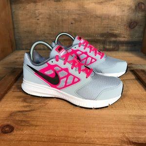 NEW Nike Downshifter Running